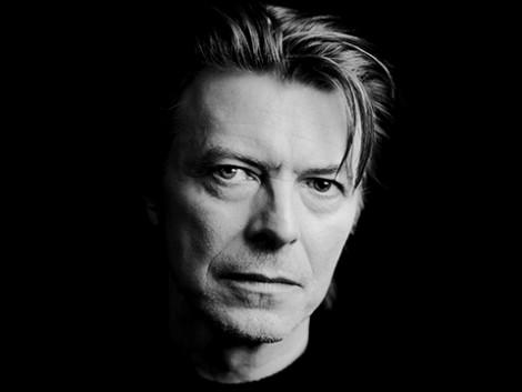David Bowie hamar urteko isilunearen ostean itzulia