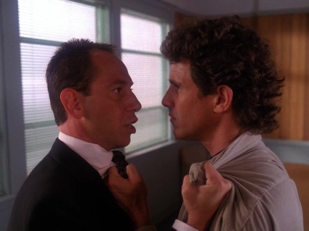 Twin-Peaks-Season-2-Episode-3-10-0f3d