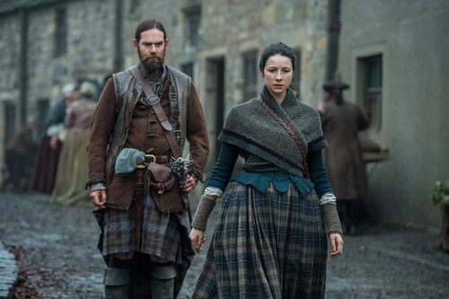 Outlander-The-Hail-Mary-2x12-promotional-picture-outlander-2014-tv-series-39716212-500-333